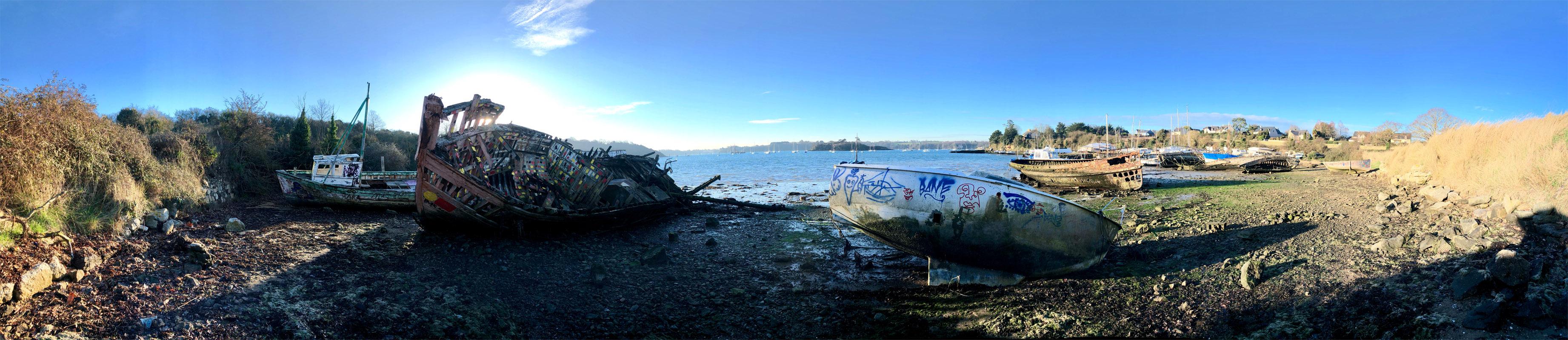 Panorama cimetière de bateaux